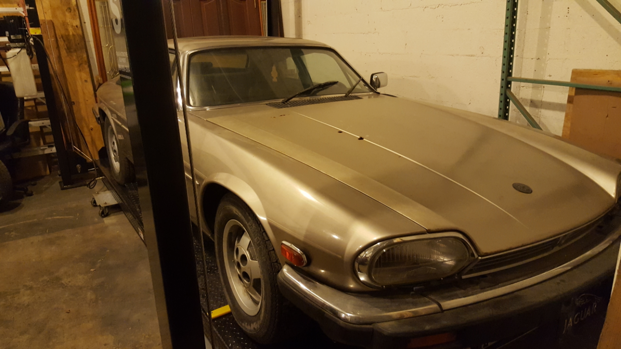 low mileage 1988 jaguar xjs v12 for sale. Black Bedroom Furniture Sets. Home Design Ideas